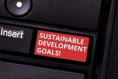 Signe des textes montrant des buts de développement durable La photo conceptuelle unissent la vision globale de nations pour le c photo stock