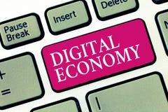 Signe des textes montrant l'économie de Digital La photo conceptuelle se rapporte à un qui est basé sur des technologies informat illustration libre de droits