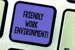 Signe des textes montrant l'environnement amical de travail Clé de clavier plus forte de intégration de lieu de travail de dynami illustration de vecteur