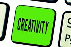 Signe des textes montrant la créativité Utilisation conceptuelle de photo d'imagination ou d'idées originales de créer quelque ch photos libres de droits