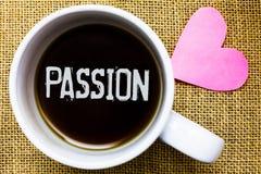 Signe des textes montrant la passion Café puissant c de temps de thé d'attraction sexuelle de sentiment d'émotion forte et incont photo stock