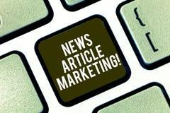 Signe des textes montrant le marketing d'article de nouvelles Photo conceptuelle écrire et fournir les articles courts à une gamm image stock