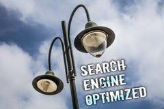 Signe des textes montrant le moteur de recherche optimisé Photo conceptuelle améliorant la visibilité en ligne pour le ciel de co images stock