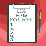 Signe des textes montrant moins de Chambre plus à la maison La photo conceptuelle ont un endroit confortable chaud à vivre avec l illustration de vecteur