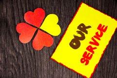 Signe des textes montrant notre service Concept d'affaires pour le concept d'aide de soutien de vente de client aidant votre clie Images libres de droits