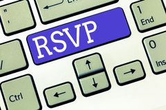 Signe des textes montrant Rsvp La photo conceptuelle répondent svp à une invitation indiquant si on prévoit d'être présent photos stock