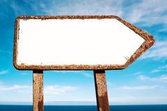 Signe directionnel blanc Image stock