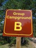 Signe du camping de groupe B Photos stock