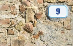 Signe du numéro de maison 9 photographie stock