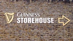 Signe Dublin d'entrepôt de Guinness Photos libres de droits
