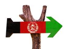 Signe en bois de drapeau de l'Afghanistan d'isolement sur le fond blanc image libre de droits