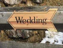 Signe en bois de mariage Images libres de droits
