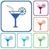 Signe en verre de cocktail avec l'icône de vodka de martini Photo libre de droits