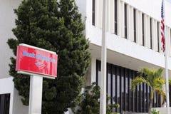 Signe et bâtiment de la Banque d'Amérique Photos libres de droits