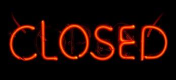 Signe fermé au néon Photographie stock libre de droits