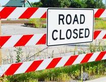 Signe fermé de route Photographie stock libre de droits