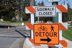 Signe fermé de trottoir Photos stock