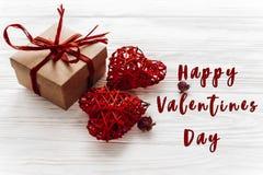 Signe heureux des textes de jour de valentines Concept de Saint Valentin Cr élégant Photo libre de droits