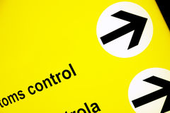 Signe indiquant la zone de contrôle de passeport Photos stock