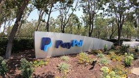 Signe la Californie de QG de Paypal banque de vidéos