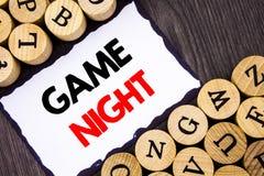 Signe manuscrit des textes montrant la nuit de jeu Concept d'affaires pour l'événement de temps de jeu d'amusement de divertissem Photo libre de droits