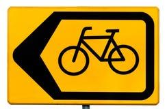 Signe pour des cyclistes indiquant un transfert de circulation Photo stock