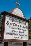 Signe pour la basilique San Diego de Alcala de mission Images libres de droits