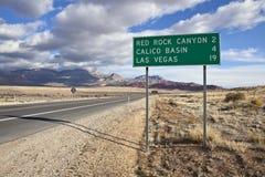Signe rouge d'omnibus de roche près de Las Vegas photos libres de droits