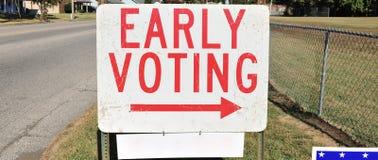 Signe tôt de vote photo libre de droits
