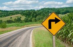 Signe tourne-à-droite photos libres de droits