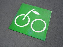 Signe vert de bicyclette Photographie stock libre de droits