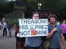 Signes de colère au rassemblement à la Maison Blanche  Photo libre de droits