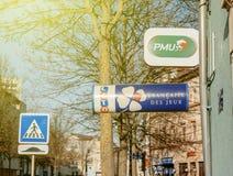 Signes de loterie de l'UGP et de LOTO de France Photographie stock libre de droits