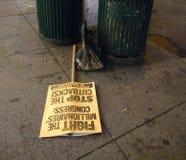 Signes de protestation, rassemblement d'Anti-atout, NYC, NY, Etats-Unis Image stock