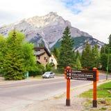 Signes de route des vacances Photographie stock libre de droits