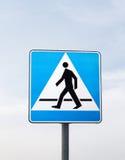 Signes de route : passage pour piétons Image stock