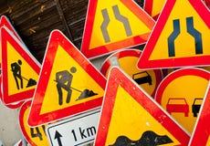 Signes de travaux routiers Photos libres de droits