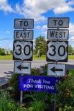 Signes directionnels de l'itinéraire 30 des USA Images libres de droits