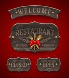 Signes en bois de restaurant de vintage Photographie stock