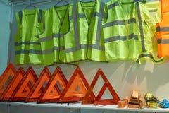 Signes, gilets et cordes de remorquage Images stock