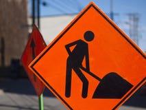 Signes urbains de construction de routes Images stock