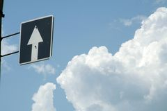 Signez dedans le ciel Images libres de droits