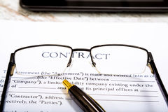 signez un contrat Photo stock