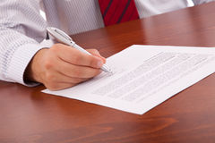 Signing a contract Royalty Free Stock Images