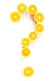 Signo de interrogación hecho de naranjas Imagenes de archivo
