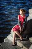 Signora affascinante gode del sole Immagine Stock Libera da Diritti