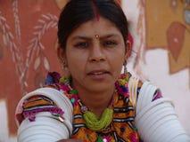 Signora al cammello giusto, Jaisalmer, India Fotografie Stock