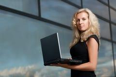 Signora attraente di affari Fotografia Stock Libera da Diritti