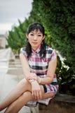 Signora cinese ad all'aperto, PutraJaya, Malesia dell'ufficio Fotografia Stock