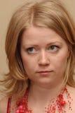 Signora in collana cremisi immagini stock libere da diritti